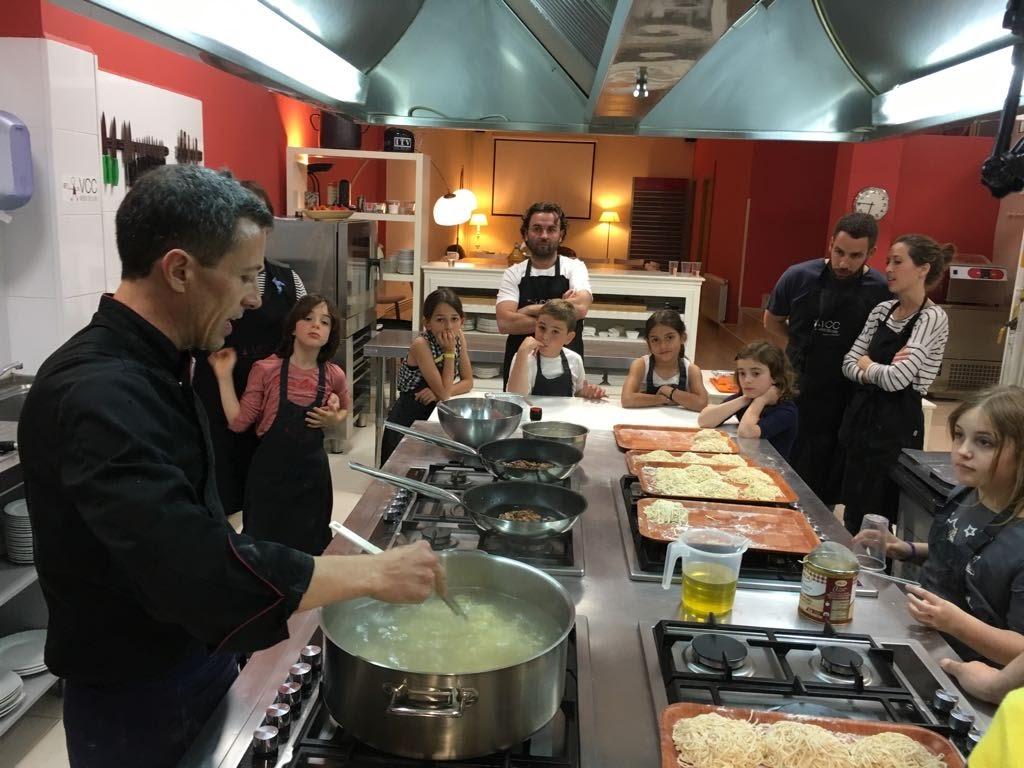 Taller padres e hijos pasta fresca valencia club cocina for Valencia club de cocina